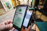 Nuovo decreto: green pass scuola e trasporti a lunga percorrenza. Stop allo stipendio per i prof. Non serve nello Stretto di Messina