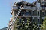 In fiamme un appartamento nel centro di Rossano: proprietario salvato dai vigili del fuoco