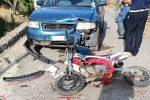 Moto cross si schianta contro auto. Giovane in prognosi riservata a Cosenza