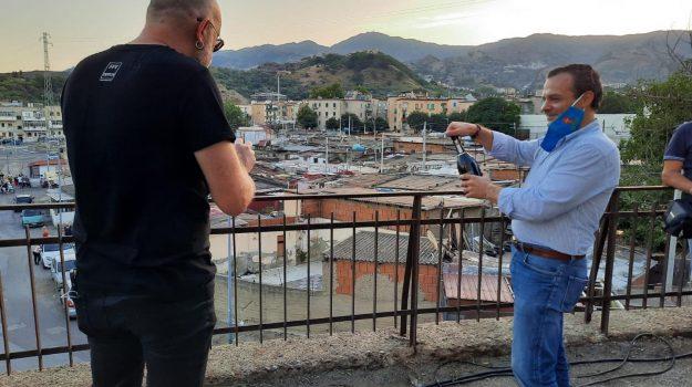 baraccopoli, fondo fucile, messina, Cateno De Luca, Mario Biondi, Messina, Cronaca