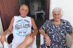 Nicola con la mamma ultracentenaria Rosa Librandi a Monterosso Calabro