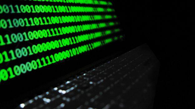hacker, Sicilia, Cronaca