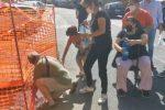 Crisi idrica a Reggio, nuova protesta. Residenti bloccano via Cardinale Portanova