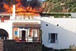 Messina: incendi anche alle Eolie, brucia il Raya di Panarea