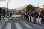 Trecastagni, una piazza piena di gente per l'ultimo saluto a Vanessa Zappalà