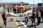 Caos aerei, Alitalia venerdì cancellerà 2 voli su 3 per lo sciopero