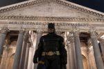 Batman arriva a Roma. La capitale celebra il Cavaliere Oscuro con una mostra