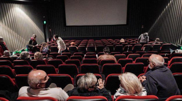 cinema, Comitato tecnico scientifico, coronavirus, stadi, teatri, Sicilia, Cronaca