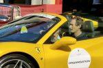 """John Elkann a Taormina, turista in """"divisa"""" Ferrari FOTO"""