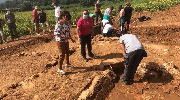 """Straordinari ritrovamenti negli scavi di Laino Borgo: ritrovata una """"realtà"""" di tipo urbano"""