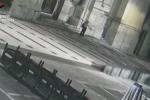 Messina, la fuga del presunto omicida della clochard uccisa sul sagrato della chiesa VIDEO