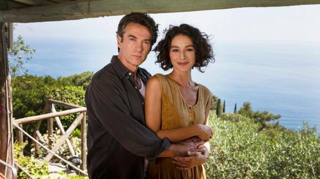 """""""Sul tetto del mondo"""", scherzi a parte, share, visto in tv, Sicilia, Televisione"""