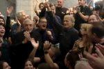 """Terence Hill lascia """"Don Matteo"""", l'ultimo ciak dopo 20 anni. Bova si chiamerà """"Don Massimo"""" - FOTO - VIDEO"""