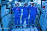 Tre astronauti cinesi nello spazio... per tre mesi: missione da record