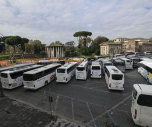 """Bus turistici """"Servono 50 milioni stanziati per pagare i leasing"""""""