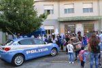 Catanzaro, la Polizia accompagna a scuola i bambini del Bambinello Gesù FOTO