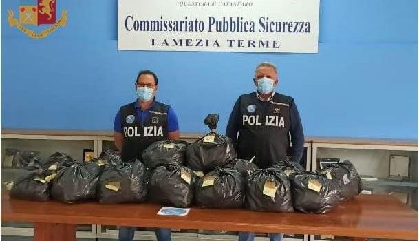 due arresti, lamezia terme, piantagione canapa indiana, Catanzaro, Cronaca