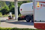 Pizzo, fuga di gas da un serbatoio Gpl sulla SS18. Disagi al traffico. Strada riaperta dopo 20 ore