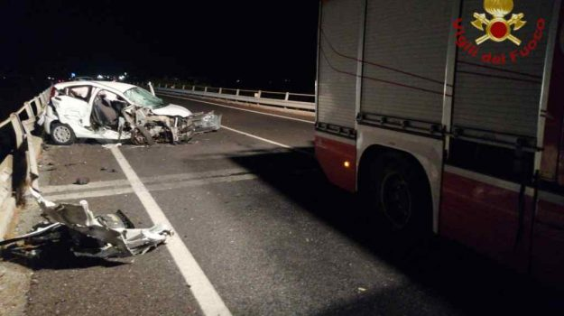 5 feriti, incidente, marina gioiosa jonica, scontro due auto, strada grande comunicazione, Reggio, Cronaca