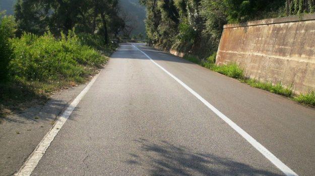 linea mezzeria storta, operaio licenziato, Sicilia, Cronaca