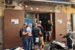 """Ruba gratta e vinci a Napoli, bloccato a Fiumicino il tabaccaio """"fuggitivo"""""""