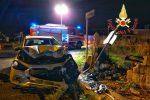 Incidente stradale nella notte a Lamezia. Auto sbatte su un muretto, un ferito