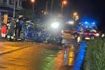 Tragico incidente stradale a Isola Capo Rizzuto: due morti, è grave un terzo giovane