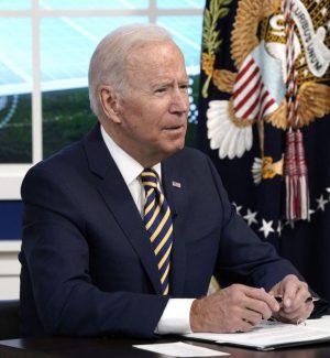 """Il presidente Biden: """"Il rapporto Onu sul clima è un codice rosso per l'umanità"""""""
