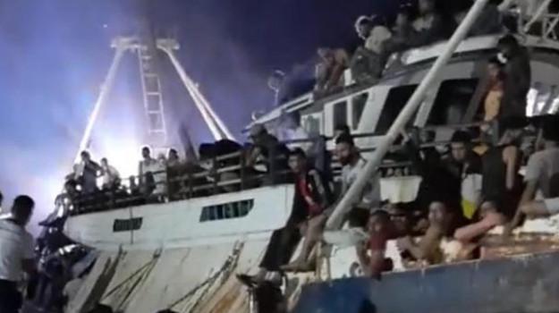 lampedusa, migranti, sbarchi, Sicilia, Cronaca