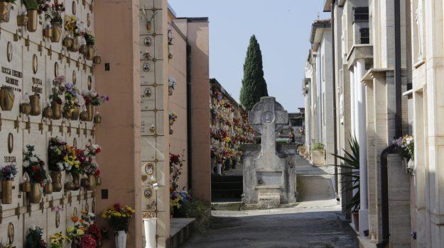 cimitero, costruzione loculi, lamezia terme, Catanzaro, Cronaca