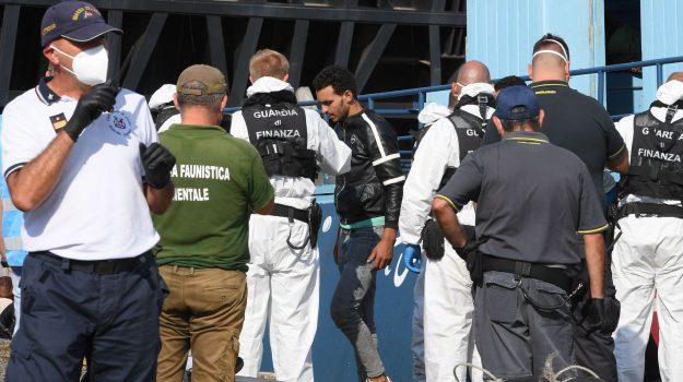 migranti trasferiti, reggio calabria, rocco albanese, Reggio, Cronaca