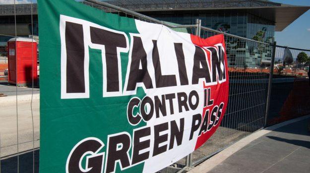 corteo, green pass, manifestazione, milano, Sicilia, Cronaca