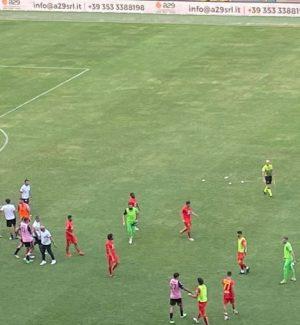 Catanzaro, terzo pari di fila (0-0) nella super sfida di Palermo