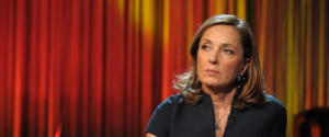 La Palombelli in tv sui femminicidi, scoppia la bufera. Chiesta la sospensione