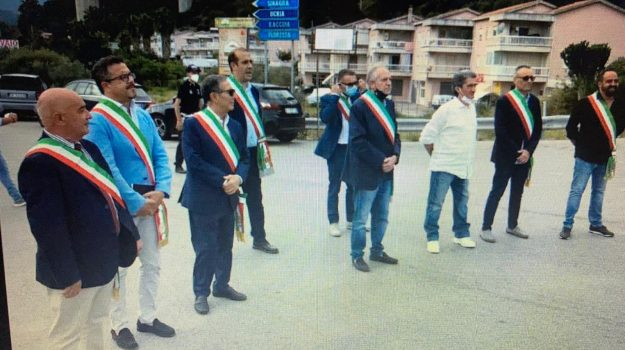 ponte naso, protesta sindaci, Gaetano Nanì, Messina, Politica