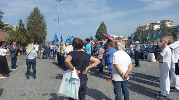Gom, Grande Ospedale Metropolitano, protesta, reggio calabria, uil, Reggio, Cronaca