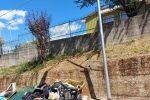 Cosenza, rifiuti ed eternit vicino alla Materna di Donnici superiore FOTO