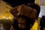 Rissa tra due ragazze a Lamezia: le filmano ma nessuno le separa