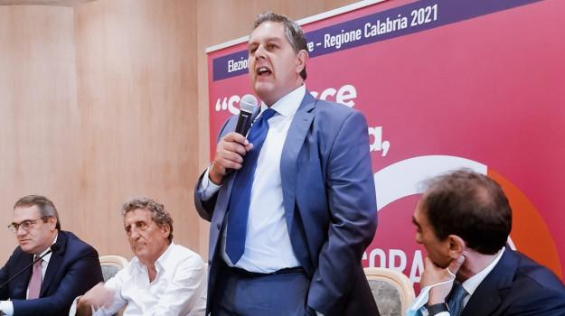 centrodestra, coraggio italia, elezioni regionali calabria, Giovanni Toti, Calabria, Politica