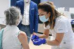 Al via la terza dose anti-Covid per over 80, ospiti delle Rsa e personale sanitario