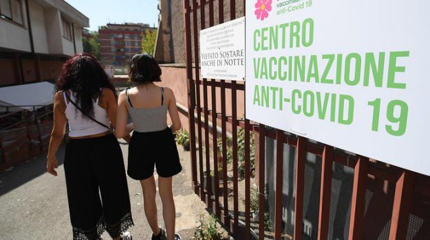 coronavirus, terza dose, vaccinazioni, Sicilia, Cronaca