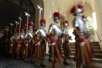 Tre Guardie svizzere no-vax lasciano il Vaticano: rifiutano il vaccino anti-Covid