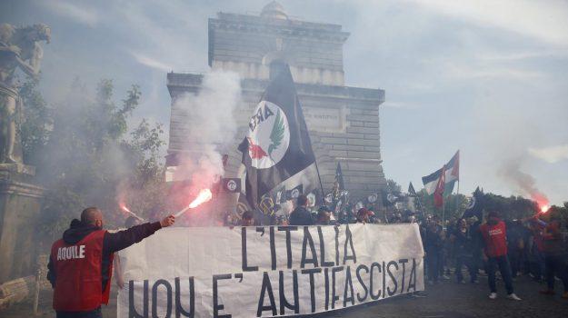 forza nuova, governo ombra, no green pass, proteste roma, giuliano castellino, Roberto Fiore, Sicilia, Cronaca