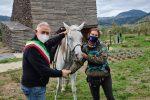 Morano accoglie la cavallerizza Jessica Riviera in viaggio lungo lo Stivale da maggio