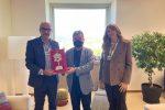 Volley, premio speciale da Spirlì ai genitori del campione calabrese Daniele Lavia