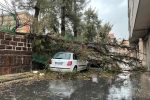 Tornado e violento temporale, danni e feriti a Catania. Oggi scuole chiuse