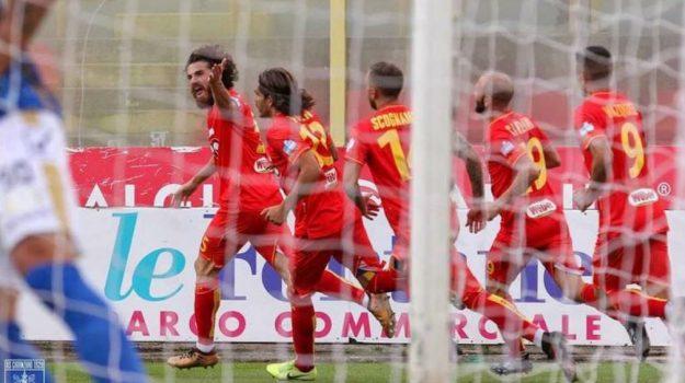 catanzaro calcio, Luca Martinelli, Catanzaro, Sport
