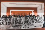 """Unical, inaugurato anno accademico Medicina col sottofondo... dei manifestanti. Il rettore: """"Protesta strumentale"""" FOTO"""