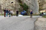 Drammatico incidente a Caulonia: auto contro parete rocciosa, morte due donne