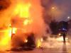 Spaventoso incendio sulla Messina-Catania: in fiamme 8 auto su una bisarca e un furgone FOTO